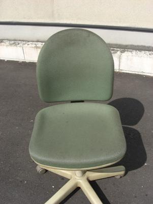 椅子洗浄前.JPG